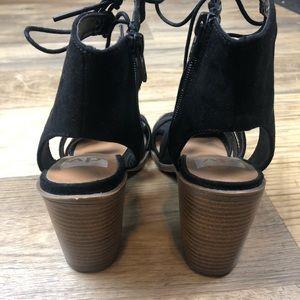 Dolce Vita Shoes - Dolce Vita Black Lace Up Block Heel Sandals 7